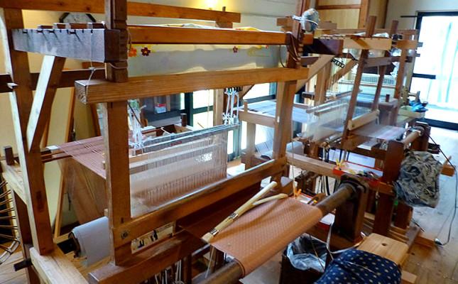 てぃぬ花工房|工芸品の購入から織物体験もできます!